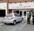 「アクセルを踏み過ぎた」洋菓子店に車が突入 今月2度目の被害 4日前に営業再開したばかり…/名張