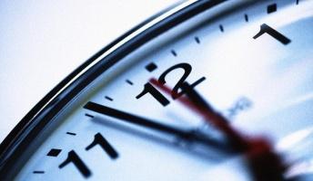 量子の世界では「時間の逆流」が起こっている…未来を知ることで過去の状態が変化