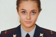 【ロシア】新米美少女警察官がランジェリー姿をSNSにうpして非難される