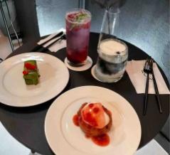 黒いカフェ?!心斎橋のオシャレな韓国カフェ『CAFE ROCOKI』をご紹介!