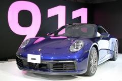 ポルシェ、新型「911」日本初公開! 8世代目は全モデルにワイドボディ採用