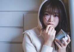 【衝撃】山崎怜奈、歴代有名俳優達のグラビアに名を連ねる・・・!