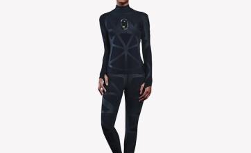 【新時代】一瞬で身体のサイズを測れるスーツをZOZOが無料配布!!一気に時代が変わろうとしているぞ!!!!!!!!