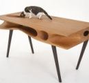 どこまでも「ネコ目線」でデザインされた、人とネコが共存するデスク