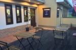 神出来交差点近くのカフェ ディアージョ。ついに念願のテラス席ができたみたい!