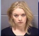 美人ママのニコルさん、大麻臭漂う車に拳銃とアサルトライフルを常備してて逮捕:イリノイ