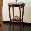イタリア家具がこのお値段で手に入ります。