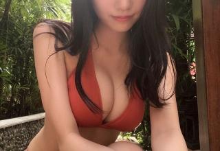 【NMB48】「新グラビアクイーン」横野すみれ(18)、研究生が圧巻の初ソログラビア グラマラスな水着姿披露