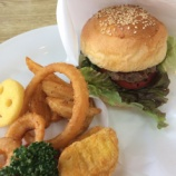 『地域限定グルメ「三ヶ日牛バーガー」をトヤママリンのカフェで食べてきた! - 北区三ヶ日町』の画像