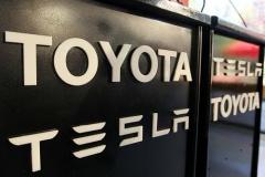 トヨタ、テスラと提携解消。協力から競争へ