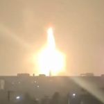 【動画】中国、今度は製鉄所の高炉が爆発!巨大な火柱が天に昇り燃焼し続ける!