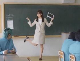 キンタロー。が、前田敦子のフライングゲットを見て泣く