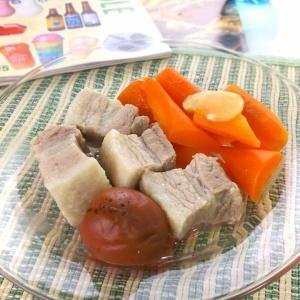 豚の脂もこれでさっぱり♪豚ばら肉の梅干し煮込み
