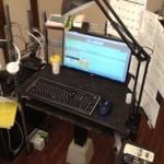 【画像】俺の机カッコよすぎワロタwww