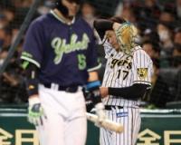 阪神・岩貞 1回2/3を被安打5、4四死球で大量5失点 5試合連続無失点の好調さ、どこへ…