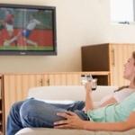 母親がリビングでテレビ見てて音漏れててうるせーから文句言った結果wwwwwwwww