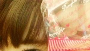 小嶋さんからバレンタインのお菓子を貰い喜ぶあきちゃ、おいらの方がでっかいと自慢げな麻里子様【AKB48小ネタまとめ】