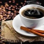 「ブラックコーヒー飲むやつはただのかっこつけ。海外だと砂糖入れるのが当たり前」とか言うけどさ