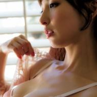 篠田麻里子、SEXYランジェリー姿を披露!!抜群ボディを惜しみなくアピールwww【画像あり】 アイドルファンマスター