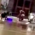 【動画】中国、韓国焼肉店が道路の泥水の水たまりで食器洗い!動画拡散で営業停止 [海外]