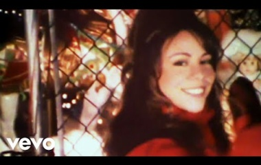 『Mariah Carey - All I Want For Christmas Is You』の画像