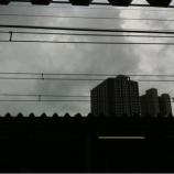 『台風接近で大雨降ったりやんだり』の画像