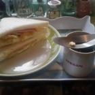 『(´-ω-`)カフェ・ロワイヤルにサンドウィッチ』の画像