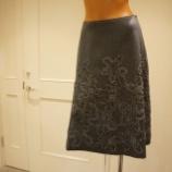 『DUAL VIEW(デュアルヴュー)コード刺繍スカート』の画像