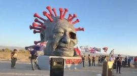 【米国】ロサンゼルスに「習近平ウイルス像」が設置されるwwwww