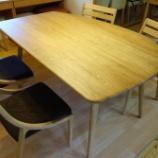 『丸亀市にフジシ・変形テーブル1500・クローバーSXと東亜林業・アルコチェアを納品』の画像