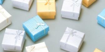 今週久しぶりの休みで後輩の女の子の誕生日プレゼント選び手伝ってと妻に頼んだら泣かれたんだが…