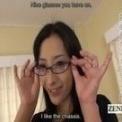 【菅野しずか】清楚系美人が取材に乗せられストリップ開始!!【めがね】