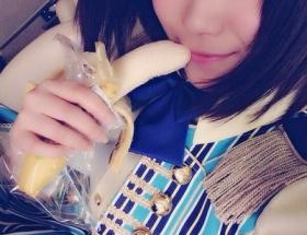 SKE48山内鈴蘭がバナナを握って唇に当てている写真で謝罪