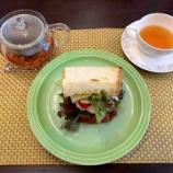 『今日のお篭りブランチは手作りサンドウィッチ』の画像