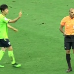 【動画】中国、サッカー韓国選手の行動がまた物議!今度は審判に中指を立てる [海外]