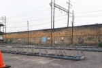 廃止になって解体工事中〜JR河内磐船駅前南側の駐輪場が閉鎖〜