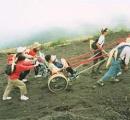 【画像】四肢切断の登山家がマッターホルン登頂に成功
