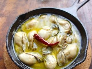 スキレットで熱々を♡牡蠣のアヒージョ【#スキレット #5分】