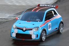 ルノーがミドシップ・リア駆動の小型スポーツカーを開発 こういう車が欲しいんだよ・・・