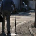 2025年に認知症パンデミック 700万人の老人が都市を徘徊