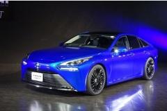 トヨタ、次期「ミライ」2020年末発売! 航続距離と定員増
