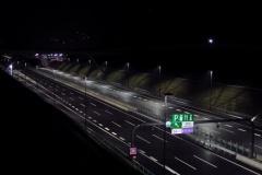 高速道路で130~140km/hでぶっ飛ばしてる車なんなの?