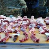 『罠シェアリングでイノシシ確保! フンドシ解体の謎』の画像