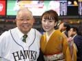 野村克也さん(82)、美人演歌歌手と2ショットでデレデレwwwww(画像あり)