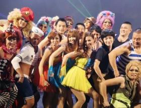 """MAXが「TOKYO GAY NIGHT」でサプライズライブ…1500人が体を押しつけ合い""""狂乱"""""""