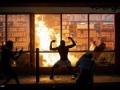 [画像] アメリカのデモ、ジョーカーみたいな事になってしまう