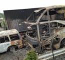 【画像】 中国で可燃物運搬トラックとバスが衝突 5台が爆発・炎上 少なくとも38人が死亡