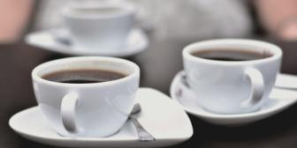 彼氏がコーヒーばかり飲んでるからか口が臭い。傷つけないように伝えたい…