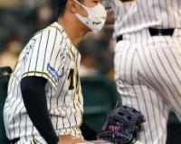 阪神矢野監督、33打席無安打の佐藤輝明に「奪い取ればいいんじゃないの」