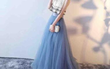 『女性らしいドレスが豊富に揃っています』の画像
